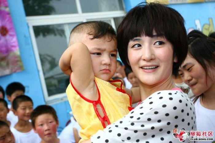 张杰和谢娜小孩照片